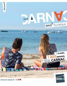 Cover of the Carnac tourism magazine 2020